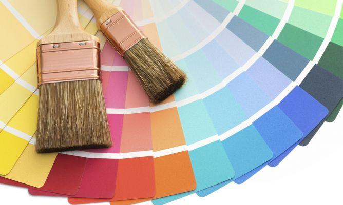 brochas y paletas de colores