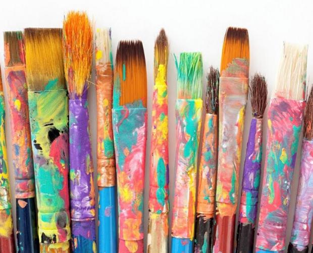 pinceles de colores