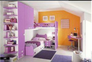 habitación color naranja y morado