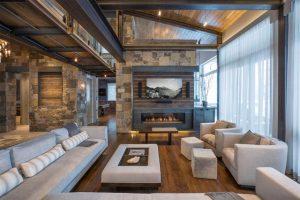 sala de estar con elementos rústicos y modernos